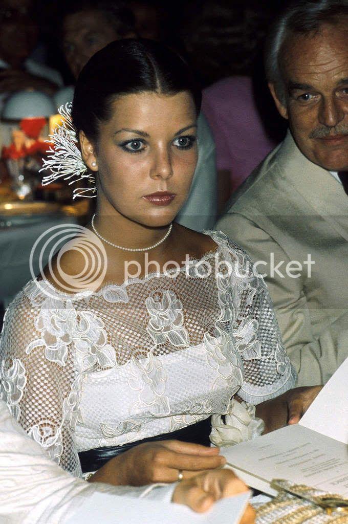 Carolina, princesa de Hannover y de Mónaco - Página 40 9-2