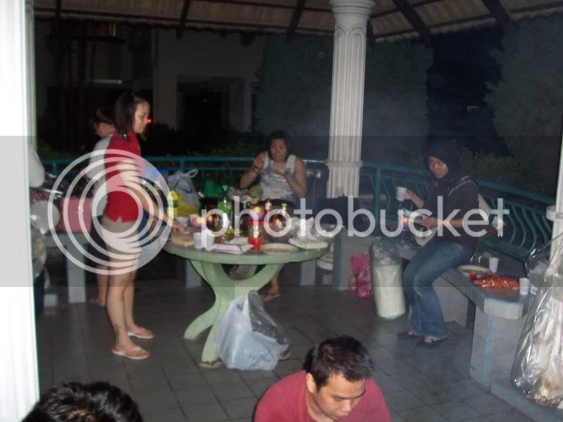 GLIDER BBQ... 100_4574