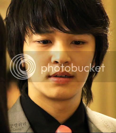 Witch Yoo Hee -->Kim John Hoon D02_hoon_00_1