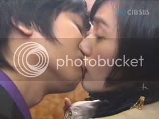 Witch Yoo Hee -->Kim John Hoon 19fz3