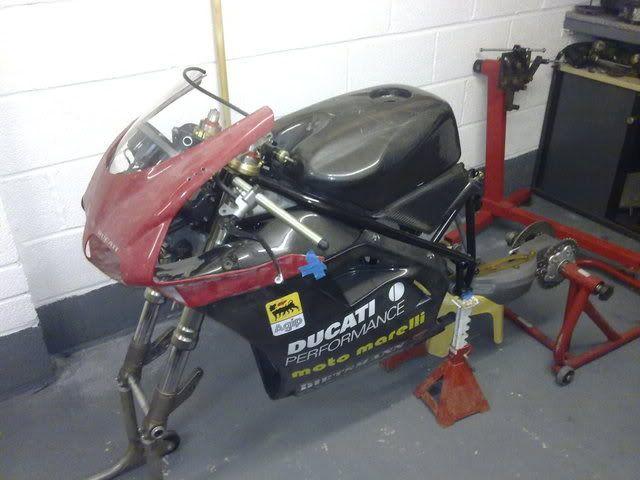Superbike Ducati 916, 996, 998 et 748 - Page 2 Formula3013