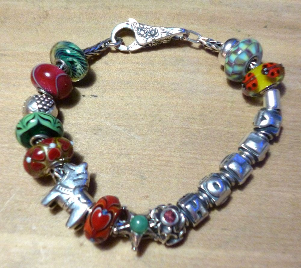 Show us which bracelet you have worn in December! Xmasbracelet1_zps2537679c