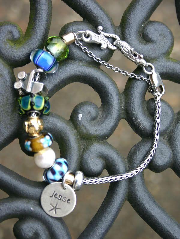 Show us your mini bracelets! Mini-anniversary