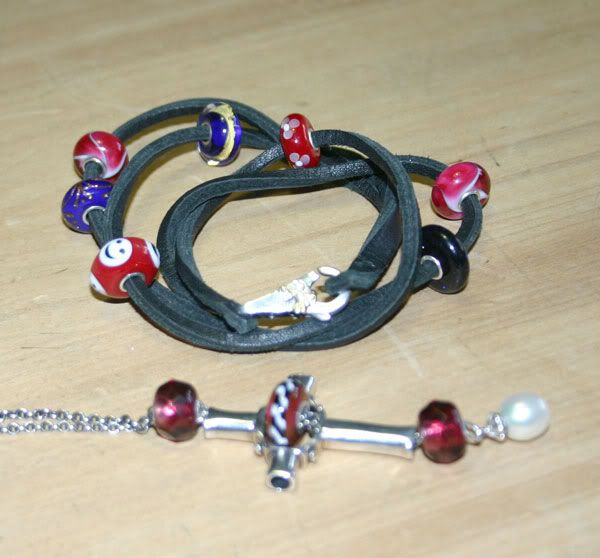 Show your bracelet with the smiley bead! Xmas-combo1