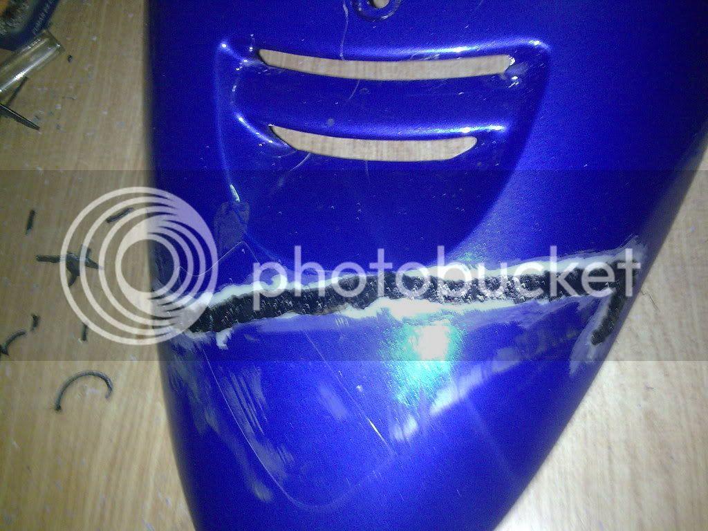 Dato para reparar carenado for Mejor pegamento para plastico