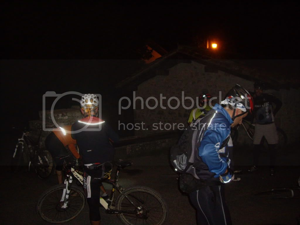 Domingo 25.09 Amanecer en la cruz del Gorbea - Página 2 NocturnaalGorbea14