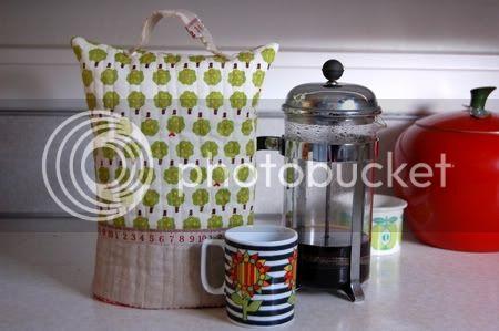 الابليك وروعة الفنون اليدوية Coffee_cozy