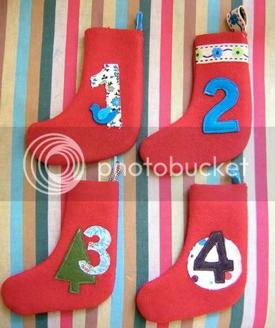 الابليك وروعة الفنون اليدوية Stockings_1234