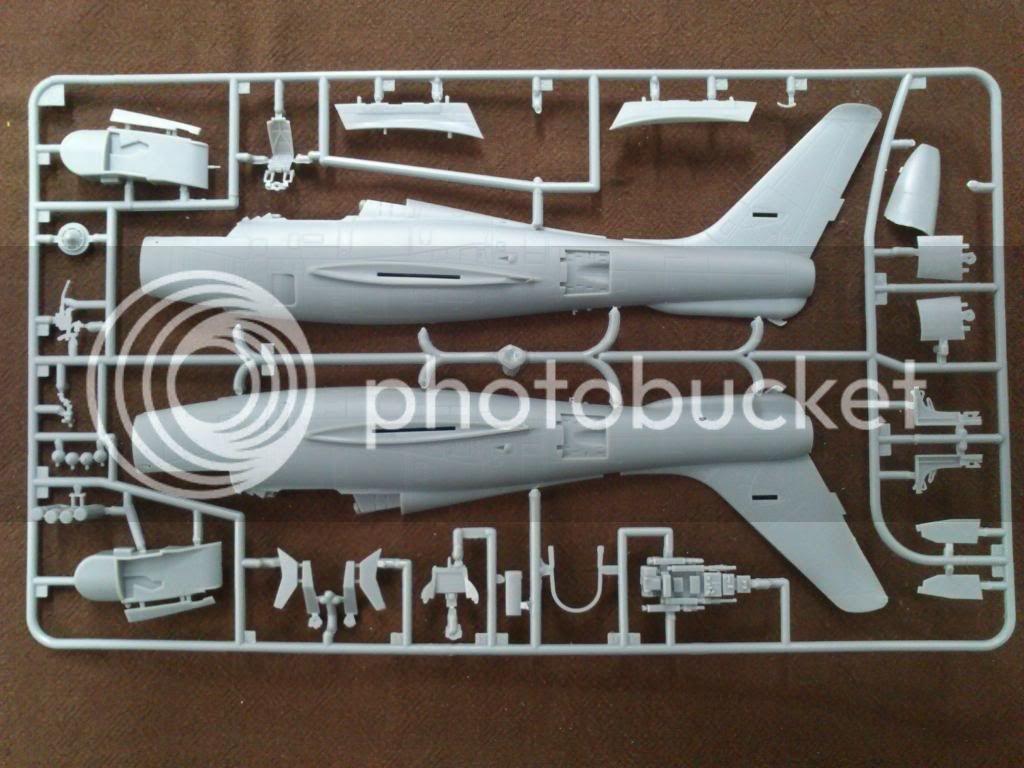 F-84F της ΠΑ, Kinetic 1/48 (Βραβείο  Ηλεκτρονικού Διαγωνισμού) DSC_7706
