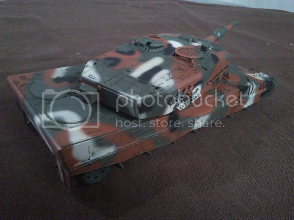 Leopard 2A4, ΕΣ,   Italeri 1/35 DSC_1235