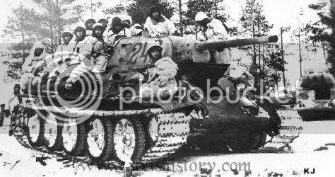 Στον δρόμο για το Χάρκοβο. (Τ-34/76, AFV 1/35) Ussr-t34-troops-1