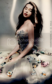 photo 200320_emiliaclarke4_zpsjwt23c2k.png