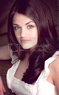 photo 200320_lucyhale8_zpslzw0ex06.png