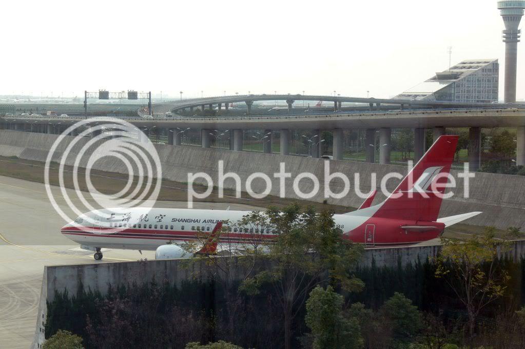 Shanghai Airlines (FM/CSH) P1110023