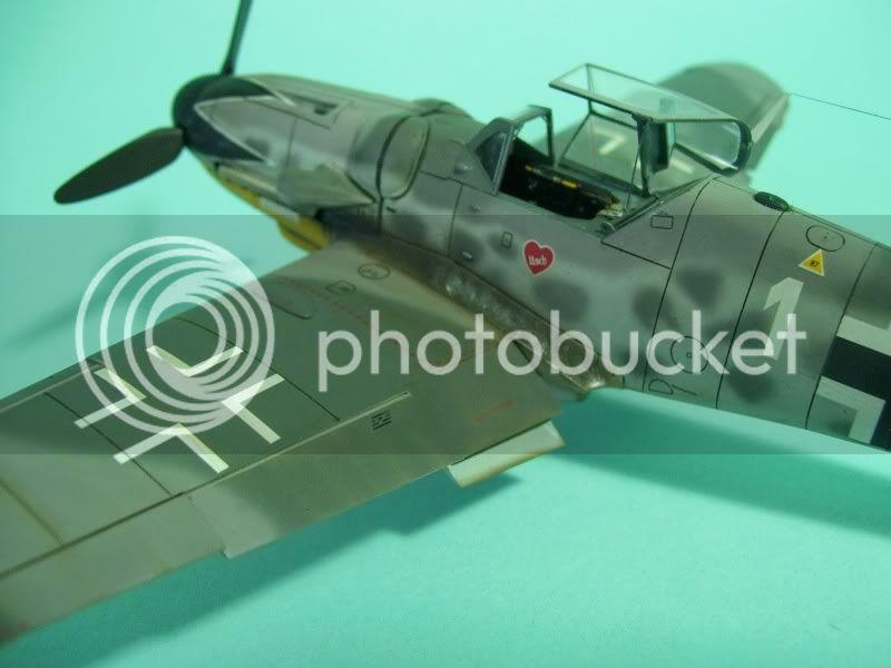 Messerschmitt 109 G-6 1/48 Erich Hartmann Tulipan Negro ASdeASES8