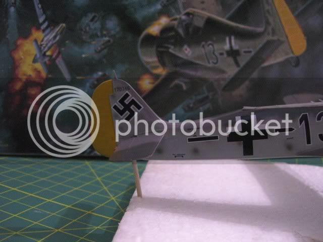 Focke Wulf 190 A-8 1/48 DML Josef Prillers TERMINADO - Página 2 Calcas7