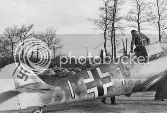 Messerschmitt 109 G-6 Erich Hartmann Tulipan N. (Terminado) Cola6