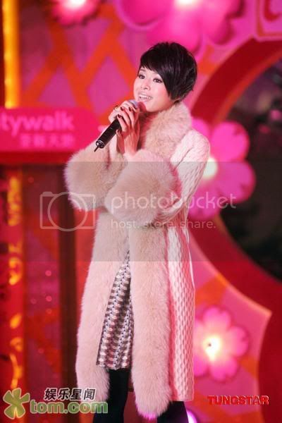 [27 January 2009] Myolie at Chinese New Year Function 20090125funz_tom012