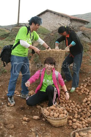 [5 May 2009] Myolie's diary entry on her trip (Oxfam) 20090506funz_Oxfam051