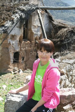 [5 May 2009] Myolie's diary entry on her trip (Oxfam) 20090506funz_Oxfam052