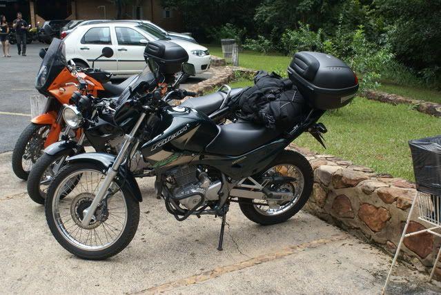 Eu e minha (ex) Burgman 400 e minha atual Bandit 1200 DSC01261