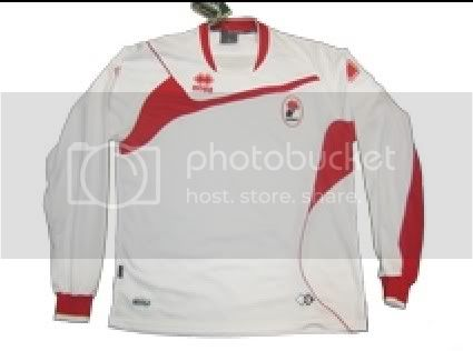 10 Kostum Sepakbola terjelek 09-10 Capture2009-08-24_180100