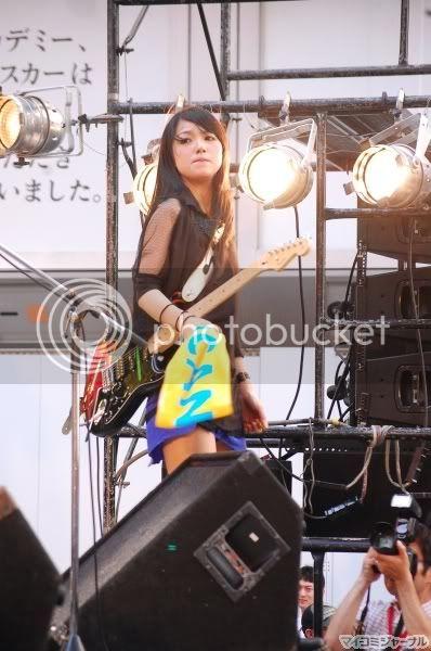 BABY ACTION Surprise Live - Kabukicho, Tokyo 005l