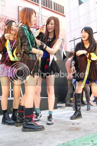 BABY ACTION Surprise Live - Kabukicho, Tokyo 009l