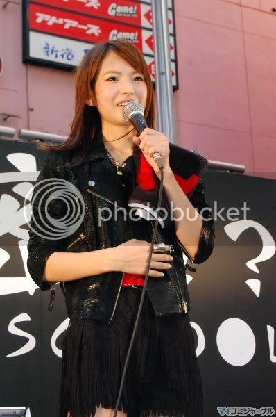 BABY ACTION Surprise Live - Kabukicho, Tokyo 011l