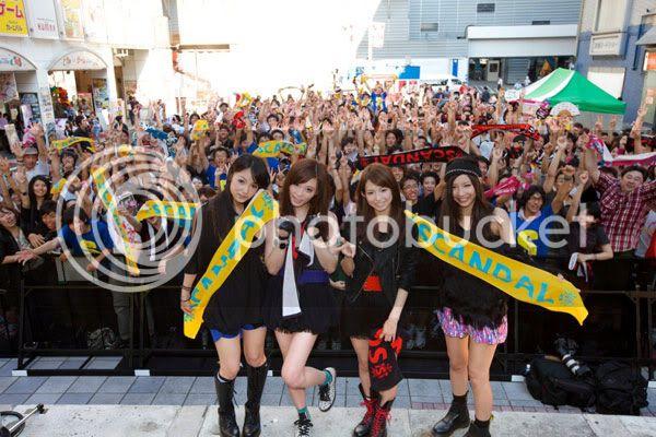 BABY ACTION Surprise Live - Kabukicho, Tokyo 20110810_scandal_001
