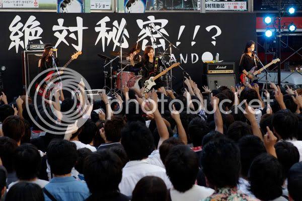 BABY ACTION Surprise Live - Kabukicho, Tokyo 20110810_scandal_002