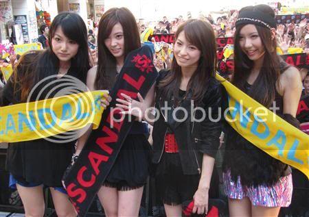 BABY ACTION Surprise Live - Kabukicho, Tokyo JGvCw