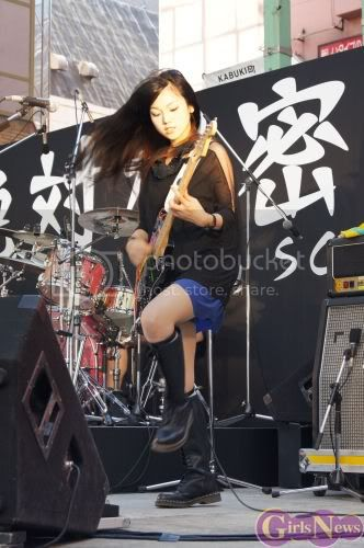 BABY ACTION Surprise Live - Kabukicho, Tokyo Img20110810scandal5
