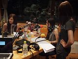 Radio program pictures Th_110729_guest_01-1