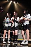 SCANDAL LIVE TOUR 2011 「Dreamer」 Th_scandal_zepp_img_0437