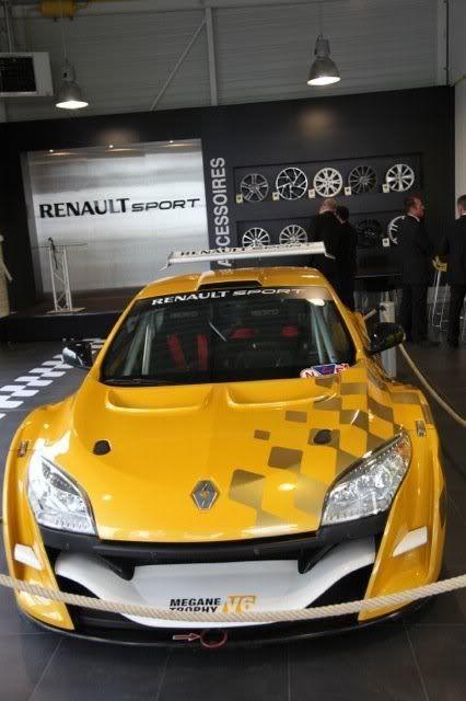 Visitas a Renault Sport Alpine (Dieppe) 226378_354667954976_218879784976_13