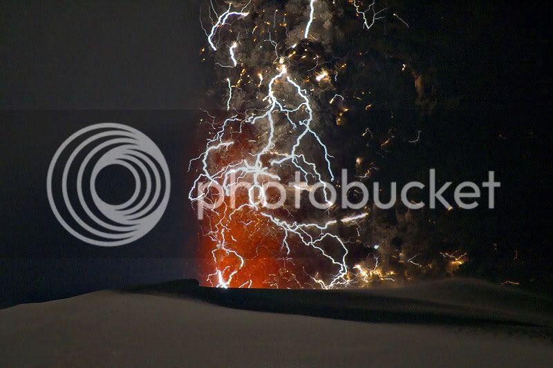 Iceland Volcano Pics Ejafjalla18apr2010-mfulle4289j