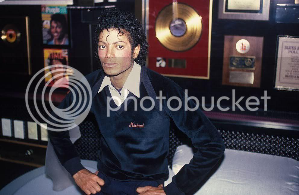 Mike Jovencitooo Thriller-Era-michael-jackson-764413