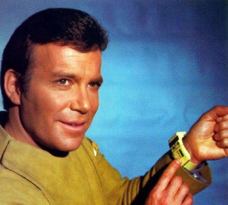 Montres connectées indépendantes du téléphone Kirk_shows_wrist_comm_zps9zqpqlp7