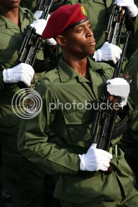 Fuerzas Armadas de Cuba 215237_207772542580996_100000447561402_700524_3999949_n