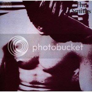 Le topic de vos vinyles préférés Indispensables-the-smiths-the-smiths-1984-L-El_pPy