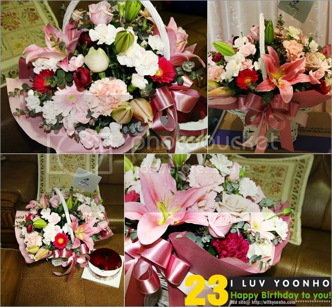 [PICS] Yunho's Bdays gifts 2008 1202316420_flower