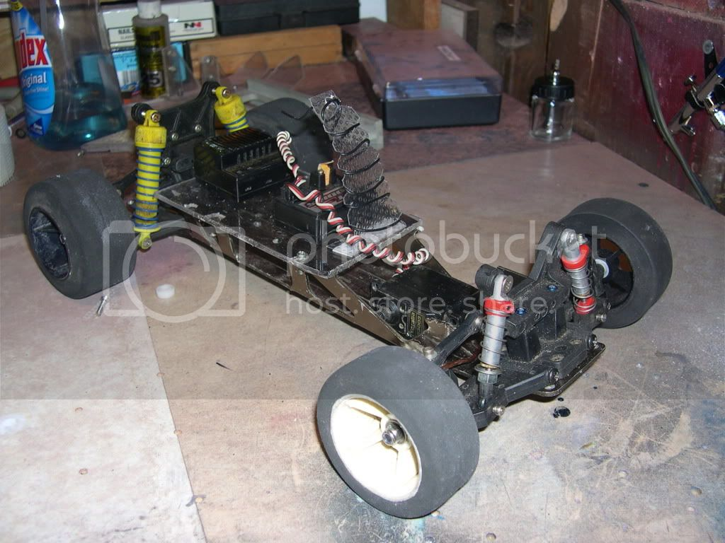 Built a chassis from junk parts to Display bodies DSCN0143