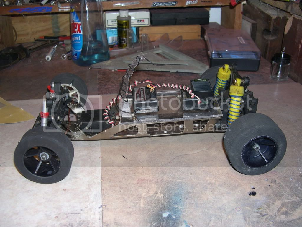 Built a chassis from junk parts to Display bodies DSCN0144