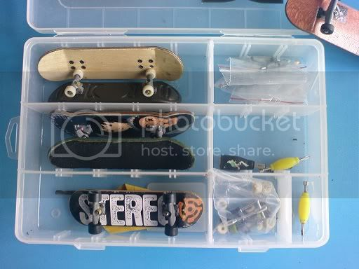 post your fingerboard case/box - Page 3 DSC00173