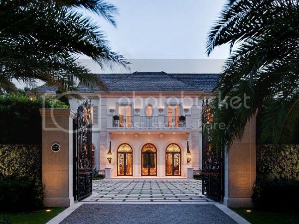 The Perfect Assistant Palm-Beach-Mansion-entry