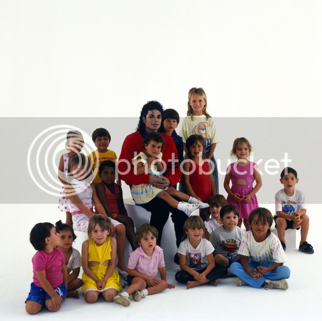 VISITA DE MICHAEL A UN COLEGIO ABORIGEN EN SIDNEY (BAD TOUR 1987) SamemersonRedfernsunnyhill-sydney1987bad-colegioaborigen-6