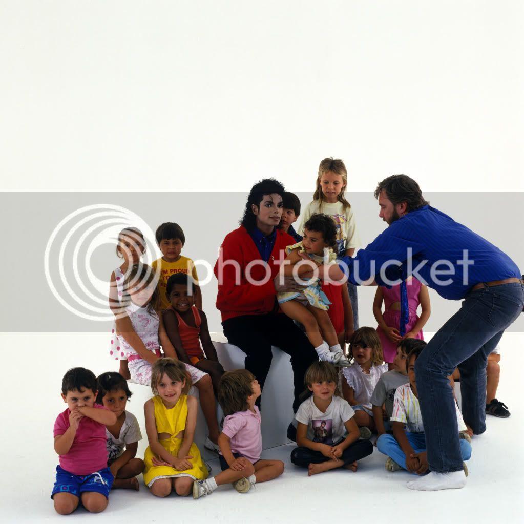 VISITA DE MICHAEL A UN COLEGIO ABORIGEN EN SIDNEY (BAD TOUR 1987) SamemersonRedfernsunnyhill-sydney1987bad-colegioaborigen-7
