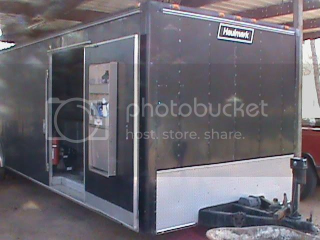 2005 F-350 Dualley and 32' Enclosed trailer Jose002