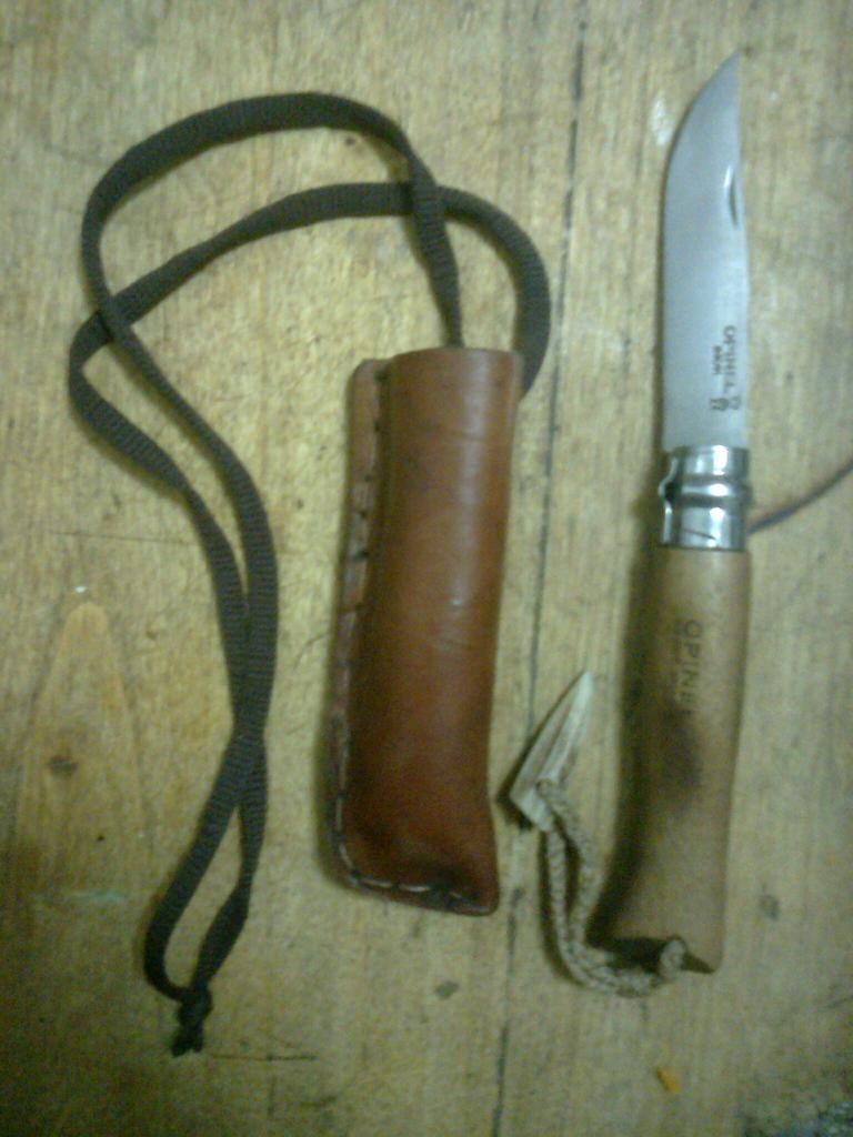 Machetes y cuchillos que uso en mis salidas Foto0533_zpsef79419d
